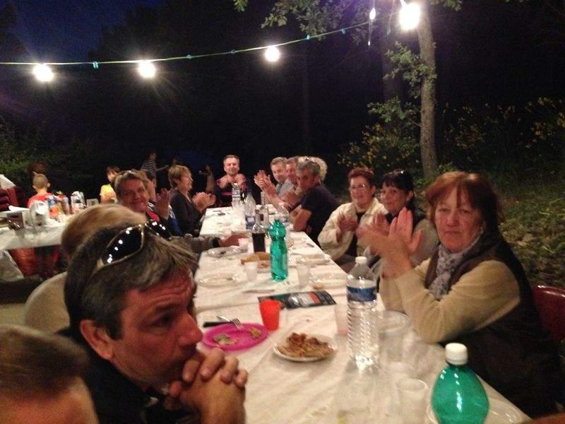 Repas des voisins 2015 à Faucon (84110)