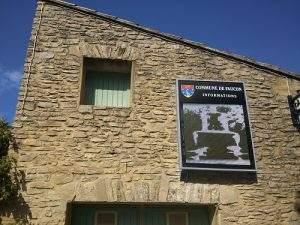panneau affichage municipal faucon 84110