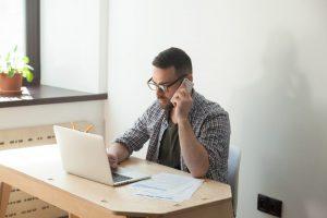 conseiller au telephone en vaucluse pour aider dans la commune de faucon et mission locale