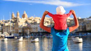 Chequier Vacances de la Region Sud et a Faucon pour aider le tourisme
